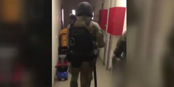 В Краснодаре мужчина выстрелил из травматического пистолета в полицейского