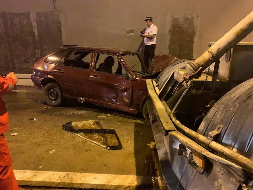 В Сочи в тоннеле к Красной Поляне произошло ДТП с пятью машинами