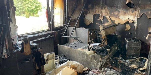 В Анапе во время ночного пожара в деревянной мансарде погибла супружеская пара
