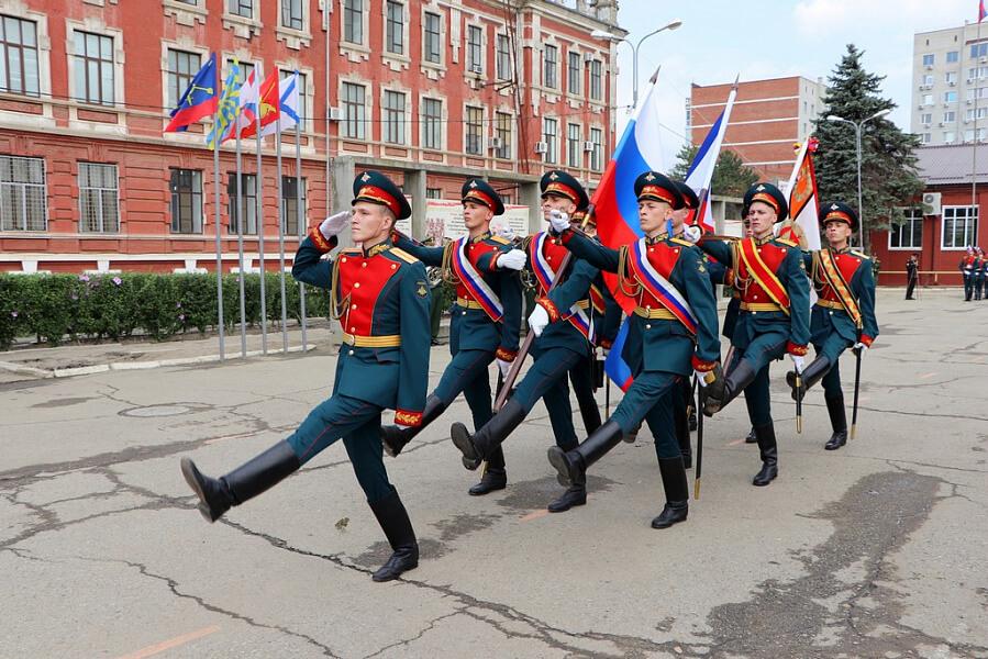 Краснодарское высшее военное училище им. Штеменко приняло 400 первокурсников