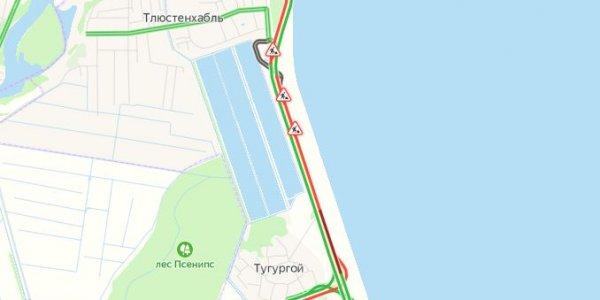 Ремонт на трассе М4 «Дон» вызвал пробку вдоль Краснодарского водохранилища