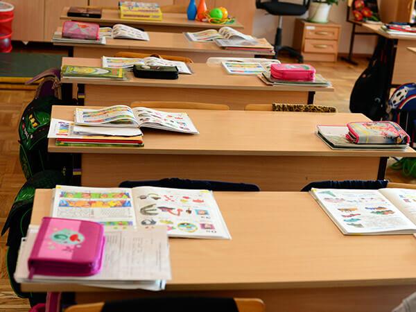 В Краснодаре два семиклассника выпрыгнули из окна школы, чтобы прогулять уроки