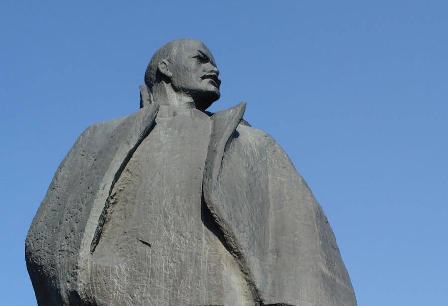 На Кубани с компании взыскали более 280 тыс. рублей за снос памятника Ленину