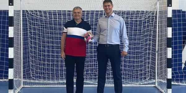 Вице-спикер ЗСК Сергей Алтухов посетил спортивный комплекс в Абрау-Дюрсо