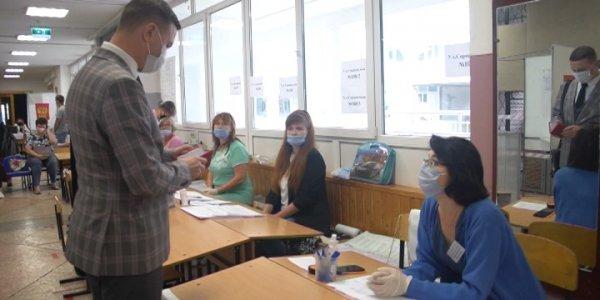 В Краснодаре проголосовал на выборах в Госдуму депутат ЗСК Иван Жилищиков