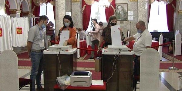 На Кубани в первые часы голосования отметили высокую явку избирателей