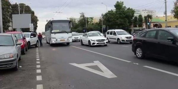 В Краснодаре на двух кварталах улицы Северной создадут выделенную полосу