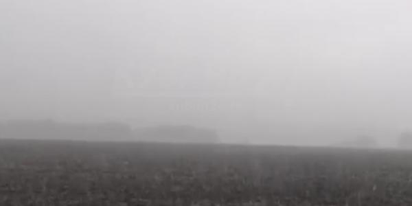 В Ленинградском районе прошел сильный град. Видео
