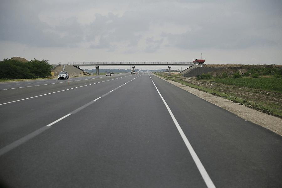 На Кубани более 8,5 млрд рублей направят на ремонт дорог в 2022 году