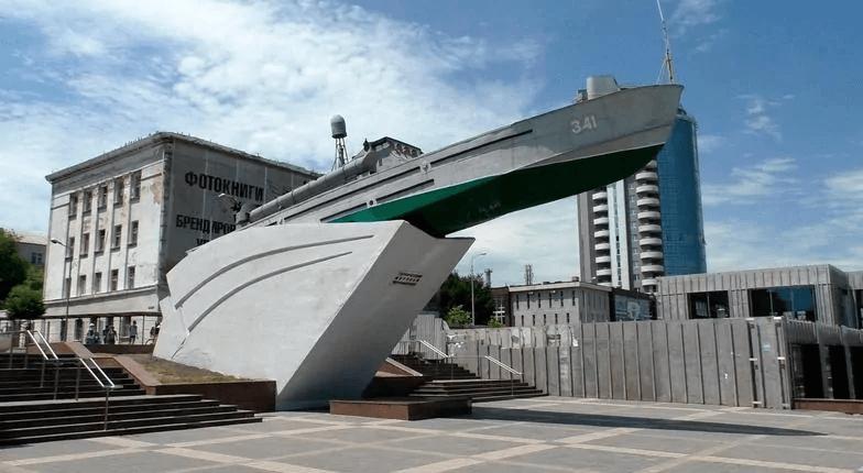 В Новороссийске отремонтируют памятник отцам-основателям и торпедный катер