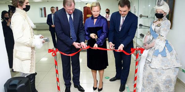 В Краснодаре выставка ювелирных украшений Екатерины II продлится до 13 декабря