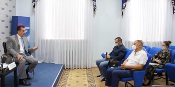 В Краснодаре за круглым столом обсудили, как защитить историю от фальсификации