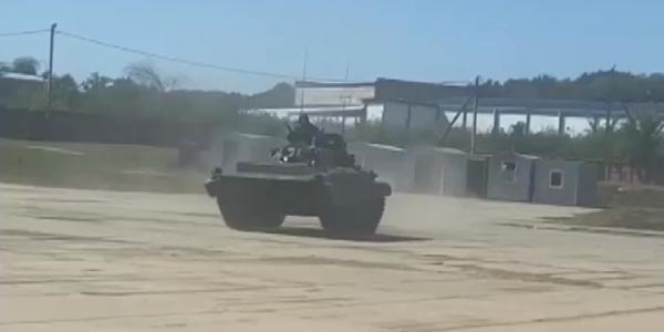 В Кущевском районе День танкиста отметили выступлением военных машин