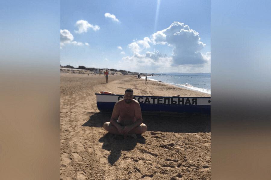 В Анапе приезжий вытащил из воды тонувшую туристку и ее взрослого сына-инвалида