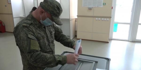 Военнослужащие ЮВО приняли участие в досрочном голосовании