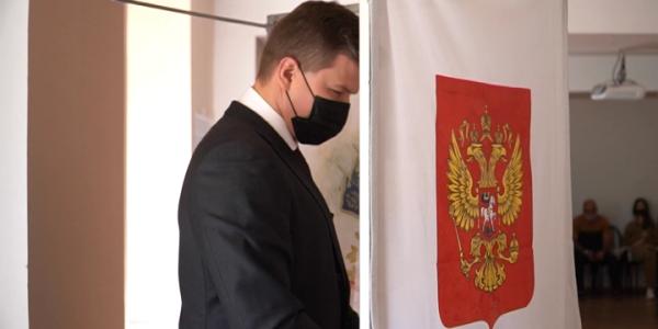 В Краснодаре глава ЦУРа Юрий Шевченко принял участие в голосовании