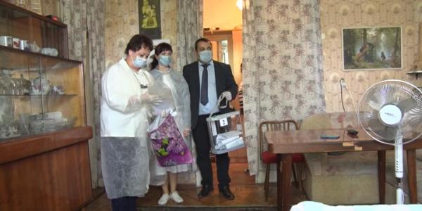 В Туапсе ветеран Великой Отечественной войны воспользовался голосованием на дому