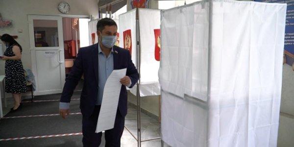В Краснодаре в выборах принял участие вице-спикер гордумы Геннадий Уфимцев