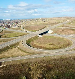 На новой трассе из Краснодара в Темрюк построят около 50 мостов и 10 развязок