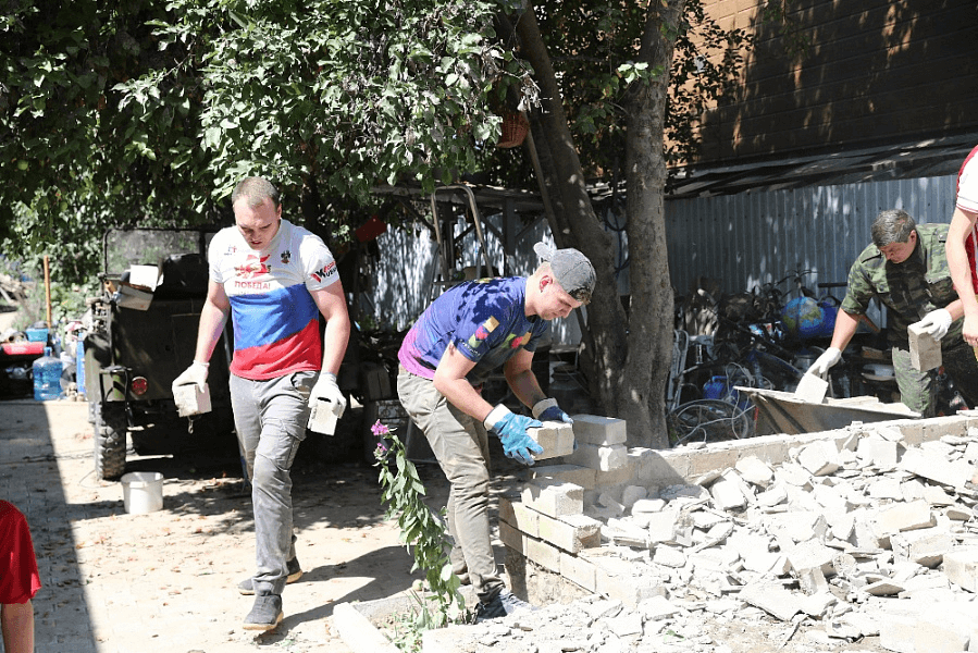 Для российских волонтеров введут обязательное страхование жизни