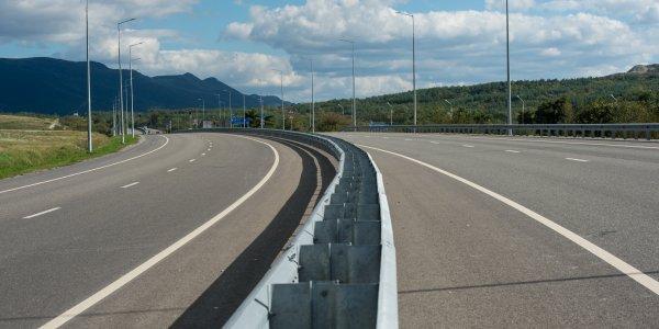 В Краснодарском крае установят барьерные ограждения на федеральной трассе