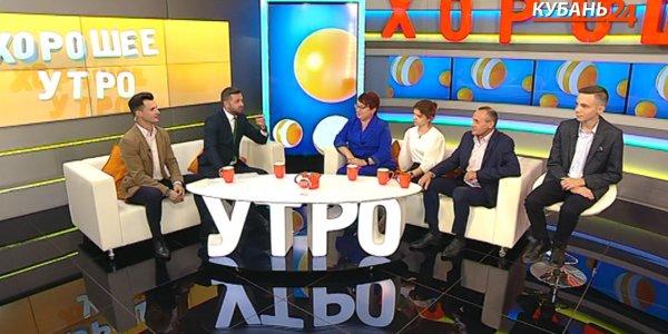 Отец 12 детей Александр Ямщиков: приходили на помощь детям, усыновляли